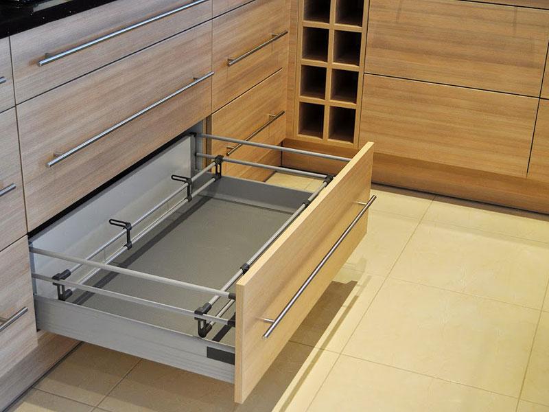 Mobili su misura cucina armadio mansarde scale negozi - Di pietro mobili ...