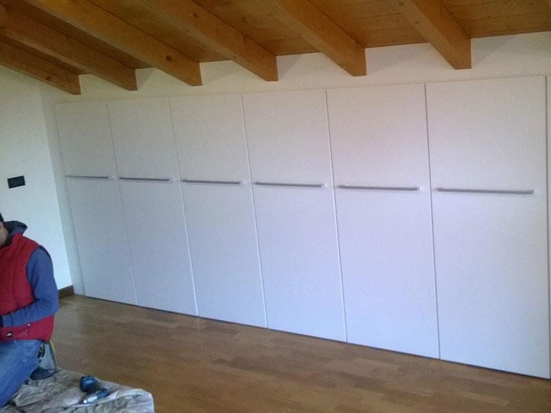 Armadi e cabina armadio su misura realizzazione e vendita for Cabine di legno di whitetail